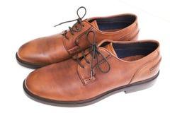 Paia delle scarpe di vestito marroni immagini stock libere da diritti