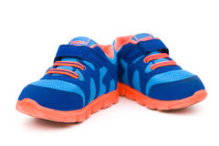 Paia delle scarpe sportive blu Fotografia Stock