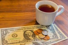 Paiement et astuce pour le thé image stock