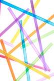 Pailles à boire colorées étroitement vers le haut de fond Images libres de droits