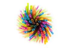Pailles colorées en plastique Photos libres de droits