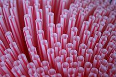 Pailles en plastique image stock