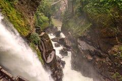 Pailon del蝙蝠鱼,恶魔的大锅瀑布在Banos de Aqua S 免版税库存照片