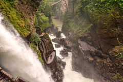 Pailon del Диабло, водопад котла дьявола в Banos de Aqua S Стоковые Фотографии RF