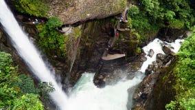 Pailon Del Diablo, jäkelkittelvattenfall i Ecuador royaltyfri bild