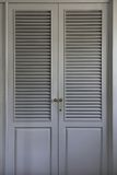 Painéis cinzentos da porta do wardrobe Foto de Stock