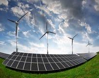Painéis solares com turbinas eólicas Imagem de Stock
