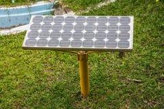 painéis solares de energia elétrica  Foto de Stock Royalty Free