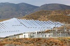 Painéis solares e central eléctrica, a Andaluzia, Spain Fotos de Stock Royalty Free