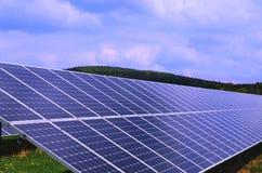 Painéis solares, eletricidade fotovoltaico do produto dos painéis fotografia de stock