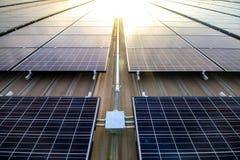 Painéis solares em um telhado Fotos de Stock