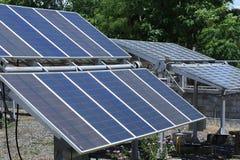 Painéis solares em um telhado Imagens de Stock Royalty Free