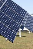 Painéis solares em um telhado foto de stock royalty free
