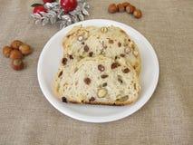 Pain aux noix de raisin sec de Noël Images libres de droits