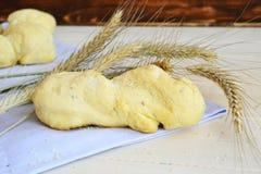 Pain blanc de boulangerie sur le fond blanc Photo stock