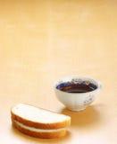 Pain blanc et thé Images libres de droits