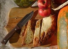 Pain coupé en tranches de blé Photo stock