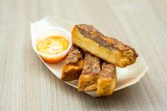 Pain cuit à la friteuse par appitiser thaïlandais Photos libres de droits