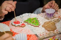 Pain d'épice fait maison de Noël Image stock