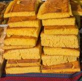 Pain de maïs nouvellement fabriqué de la farine de maïs Images libres de droits