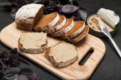 Pain de pâté, apéritif de foie Petit déjeuner appétissant photographie stock