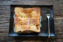 Pain de pain grillé avec du lait Photographie stock libre de droits