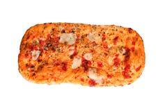 Pain de pizza avec les tomates et le mozzarella d'isolement sur le blanc Images stock