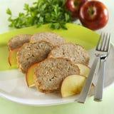 Pain de viande avec la pomme Image libre de droits