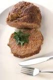 Pain de viande d'une plaque blanche Photo stock
