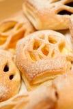 Pain doux avec du sucre en poudre Photo stock