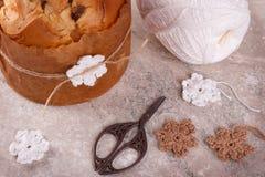 Pain doux de pain de Panettone traditionnel pour Noël Image libre de droits