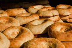 Pain et boulangerie Le pain traditionnel typique de forme ronde d'Ouzbékistan photo stock