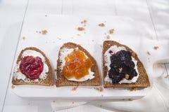 Pain et confiture de petit déjeuner Image libre de droits
