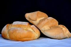 pain et petit pain se reposant là-dessus Photos libres de droits