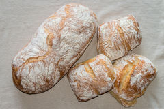 Pain et petits pains de ciabatta Photo stock
