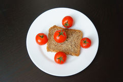 Pain et tomates photo stock