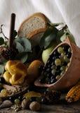 Pain, fruits et légumes Photographie stock libre de droits