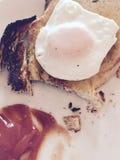 pain grillé d'oeufs images stock