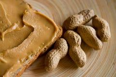 Pain grillé de beurre d'arachide Photo libre de droits
