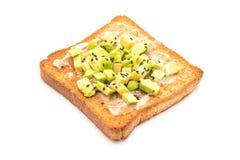 pain grillé de pain de blé entier avec l'avocat images libres de droits