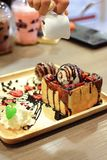 Pain grillé de miel de fraise de chocolat Images stock
