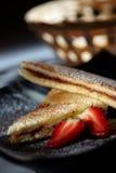 Pain grillé et fraises Photographie stock libre de droits