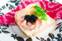 Pain grillé frais avec le caviar Photo libre de droits
