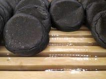 Pain noir de charbon de bois Photographie stock libre de droits