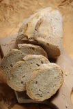 pain sur le hachoir Photo libre de droits