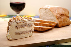Pain, vin et fromage Photo stock