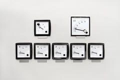 Painel com medidor da hora do ampère, do volt e de quilowatt foto de stock