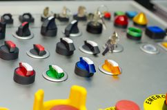 Painel de controle com botões, chave e interruptor imagens de stock