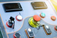 Painel de controle com bot?es, chave e interruptor fotografia de stock