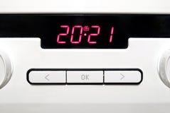 Painel de controle do fogão bonde da cozinha branca moderna fotos de stock royalty free
